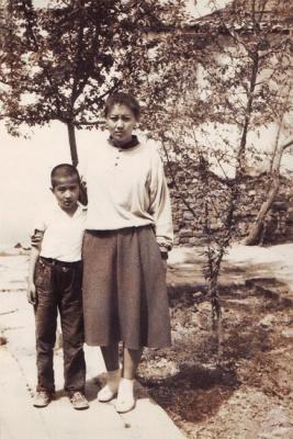 Инамжан с мамой. 1994