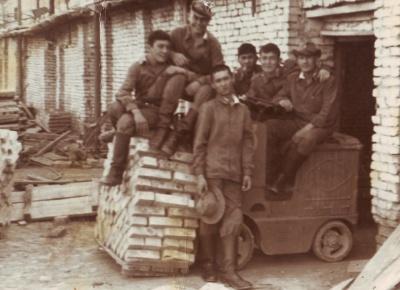 Стройбат. Кирпичный завод под Карагандой. 1975